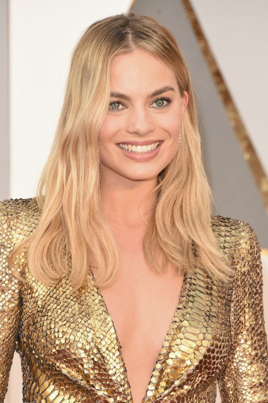 oscars-2016-hair-makeup-trends-margot-robbie-w540