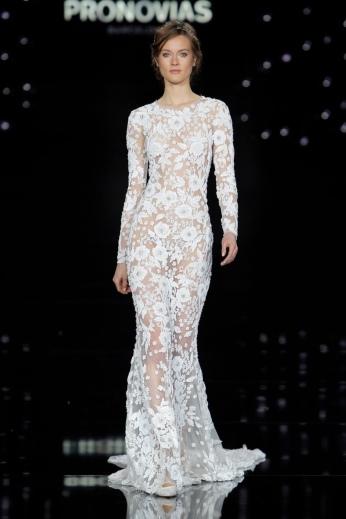 Atelier-Pronovias-2017-Bridal-Wedding-Dresses-Runway03