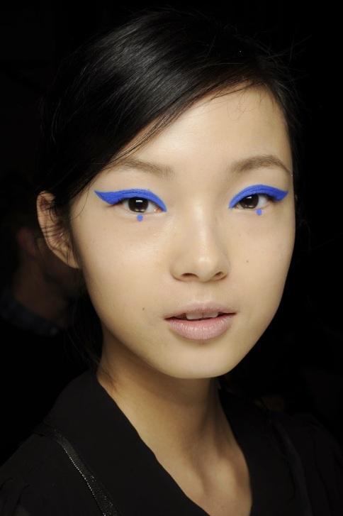 dot-eyeliner-5
